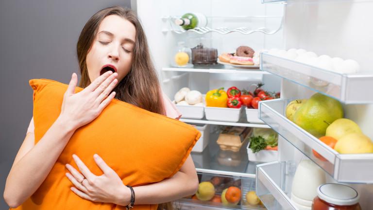 Защо да сложим възглавницата си в хладилника