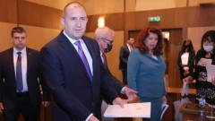Румен Радев: Хората излизат от хипнозата след насажданата паника
