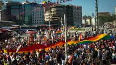 Сблъсъци на гей протест в Истанбул