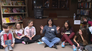 Деца посрещнаха Деня на книгата с приказна нощ в библиотека