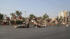 """""""Джихадистки сепаратисти"""" зад кървавото нападение на военния парад в Иран"""