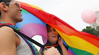 Свещеник награди с орден прокурор, заклеймил гейовете