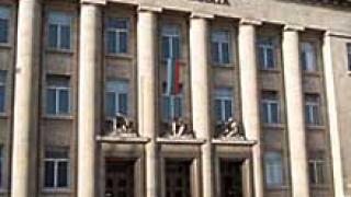 Издирват осъден общински съветник от Русе