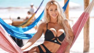 Секси ваканцията на Янита Янчева в Гърция