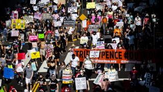 Хиляди на протест срещу избора на Барет за Върховния съд