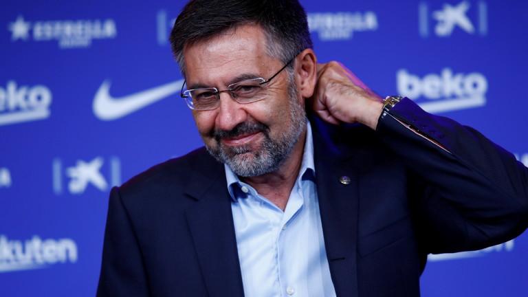 Бартомеу: Лапорта предаде интересите на Барселона