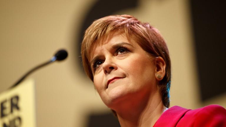 Първият министър на Шотландия Никола Стърджън заяви, че отново ще