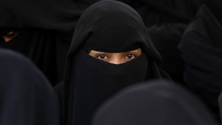 Забраната за носене на бурка в Дания влезе в сила на фона на протести
