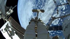 Двама астронавти от МКС излязоха в открития космос