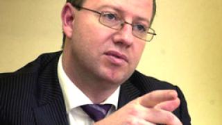 """Двама данъчни """"издали"""" финансите на Цветанов"""
