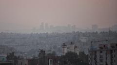 Заради смога в Мексико сити спират от движение 40% от колите