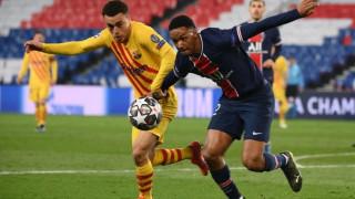 Сержиньо Дест отказа три оферти, остава в Барселона