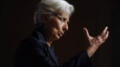 МВФ нe може да помогне на Гърция, допитването е безсмислено, обяви Лагард