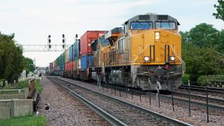 Най-големият производител на влакове в света планира завод у нас