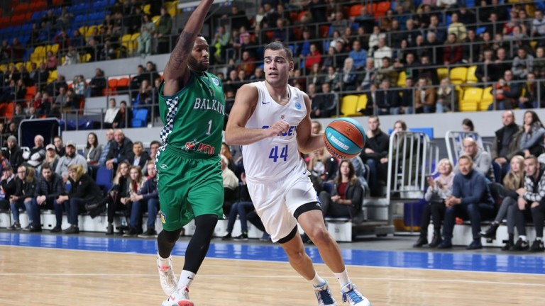 Баскетболният шампион Балкан (Ботевград) се раздели с американския гард Джордан
