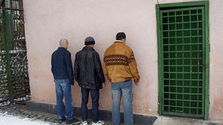 Хванаха трима алжирци, опитали нелегално да минат границата