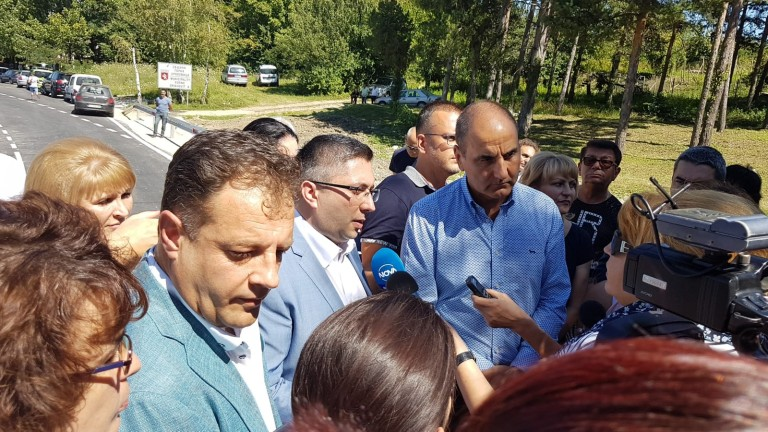 Президентът на БСП Румен Радев се заявява като политически опонент,