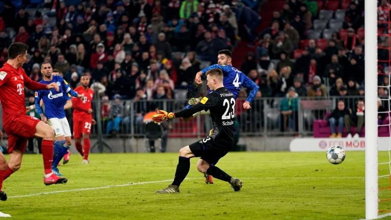 Байерн (Мюнхен) разгроми Шалке 04 с 5:0 и е само