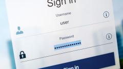 Защо е добре веднага да сменим паролите си в Instagram и Facebook