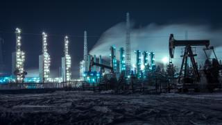 Цената на петрола доближи $49. Рафинериите в Китай и Индия активно купуват