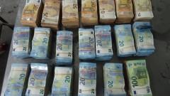 "Заловиха турци автостопаджии с половин милион евро на ""Дунав мост"""