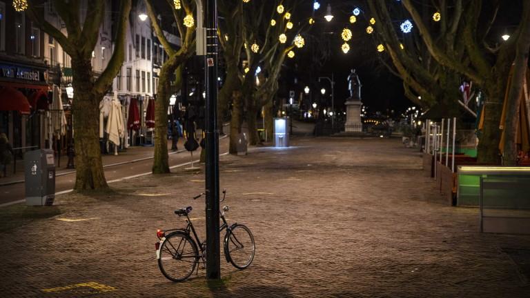 25 арестувани и 3600 глобени за нарушения на вечерния час в Холандия