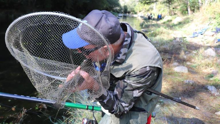 Дребномащабният риболов в Черно море става специфична стопанска дейност. Това