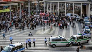 Сириец бит с желязна верига при расистко нападение в Германия