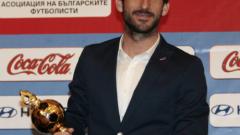 """Син"" любимец гледа на живо конкурентите ни за Евро 2016"