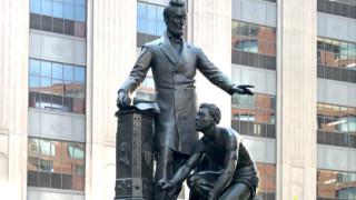 В Бостън гласуват да демонтират статуя на Линкълн от центъра на града