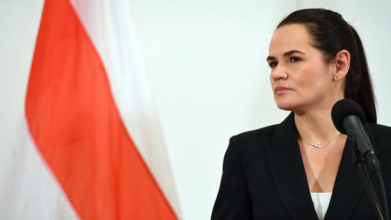 Тихановска подготвя черен списък с имената на служители на силовите структури