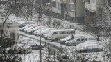 Задръствания и закъснения на транспорта заради снега в София