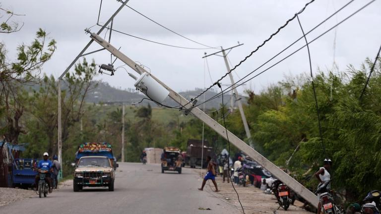 Над 800 са жертвите на урагана Матю