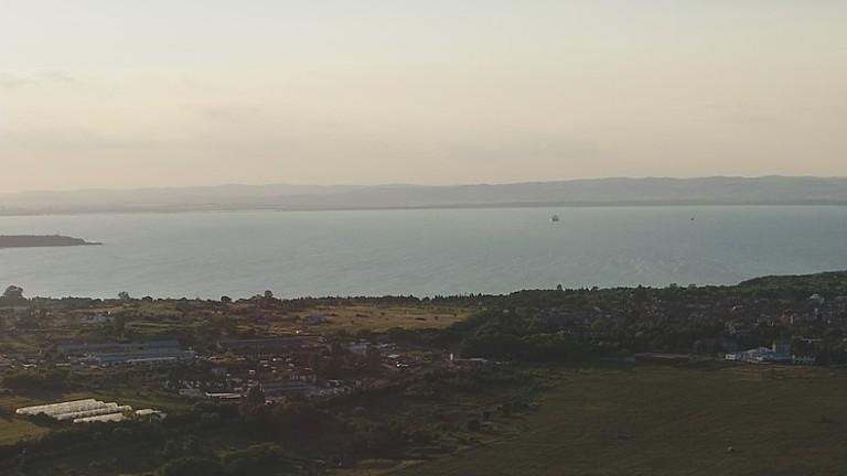 Проверяват сигнал за изсипани камъни и пръст край морето в Черноморец