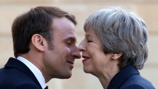 Тереза Мей обсъди с Макрон отсрочка за Брекзит