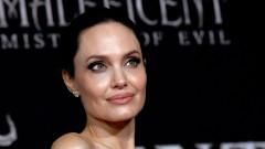 Изненадващата поява на Анджелина