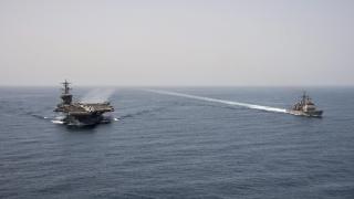 """Иран """"пропъди"""" US военен кораб от свои ВМС учения"""