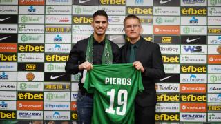 Лудогорец представи Пиерос Сотириу, той се зарече да работи здраво за успехите на клуба