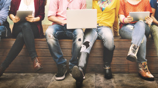 Колко от младите в България нито учат, нито работят?