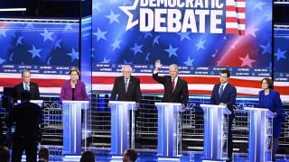 Блумбърг - мишена на яростни атаки на дебата на демократите в Лас Вегас