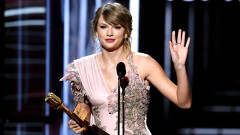 Как преминаха наградите Billboard