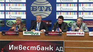 Ал. Томов дава делото си на чужди експерти