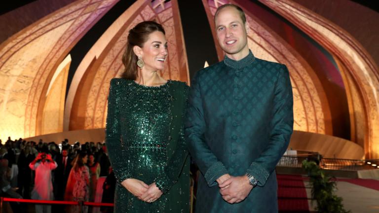 Първият ден на официалнотопосещение на принц Уилям и Кейт Мидълтън