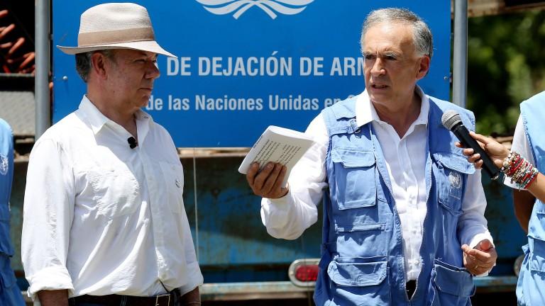 В Колумбия обявиха половинвековния конфликт с FARC за приключен
