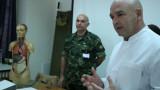 Бойни санитари на ВМА показаха как се спасява живот на фронта