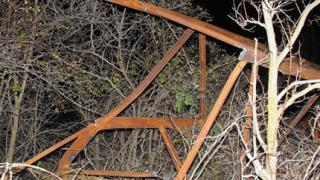 Електрически стълб уби крадец