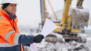Работодателите да съобразят условията на труд с прогнозата за опасно студено време