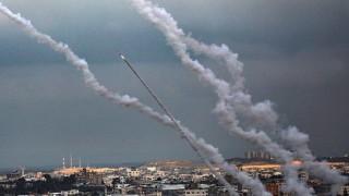 Израел удари Газа