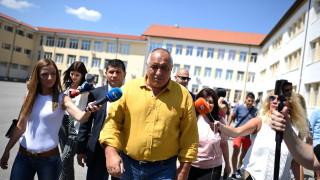 Бойко Борисов наблюдава избори по венецуелски, по мадурски