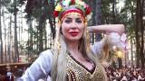 Антония Петрова се изфука с мини носия (СНИМКИ)